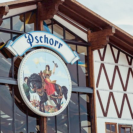 The beautiful Pschorr Bräurosl is there
